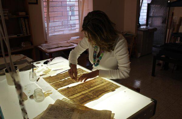 Simona Budassi al lavoro
